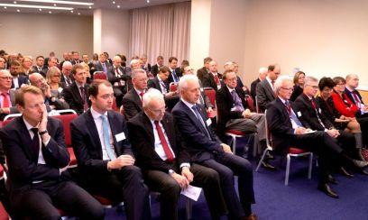 Rohstoff-Konferenz in St. Petersburg